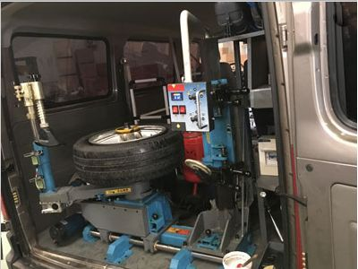 M1 Mobile Tyre Fitting Machine